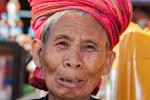 Pa-O-Frauen auf dem Markt in Aungban