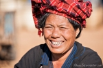 Pa-O-Frau auf dem Markt von Indein