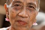 Tätowierte Chin-Frau; auch Spinnennetzfrau