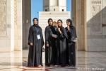 Klug und selbstbewußt - Junge Frauen in der großen Sultan-Qabus-Moschee, Muscat