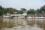 Die Hotelboote sind ein Stück unterhalb von Porto Jofre fest stationiert und von hier aus starten die Jaguar-Safaris.
