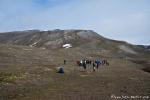 Kleine Wanderung durch die arktische Tundra bei Gjertsenodden