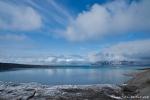 Blick vom Gletscherrand des 14. Juli-Gletschers über den Krossfjord