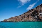 Azurblaue Bucht vor der Insel Santa Cruz