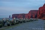 Wellenbrecher sollen die Steilküste von Helgoland vor der Erosion schützen