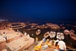 Unzählige Boote kommen zu der Ganga-aarti - Varanasi