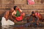 Zähneputzen im Ganges - Varanasi