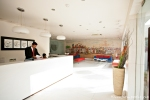 Lobby des Hotels The Amber - Delhi