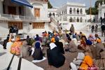 Pilger lauschen einer Predigt - Goldener Tempel, Amritsar