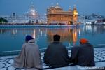 Pilger in Andacht - Goldener Tempel, Amritsar