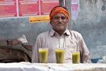 So giftig wie es aussieht ist es auch - Marihuana-Getränk auf dem Shiva-Fest in Amritsar