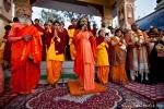 Zu Ehren des Brautpaares (rechts) ist sogar der Oberguru da, Parmarth Niketan - Rishikesh