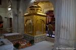 Im Akal Takhat wird aus dem Heiligen Buch der Sikhs vorgelesen - Goldener Tempel, Amritsar