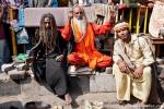 Durchgeknallte Sadhus mit zwei Kobras - Amritsar