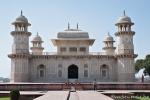 Itimad-ud-Daula - Gartenmausoleum für den Schatzkanzler des Mogulreichs - Agra