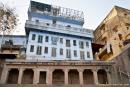 Häuser werden immer wieder aufgestockt - Varanasi