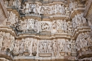 Erotische Szenen zieren die Außenfassaden der Tempel - Khajuraho