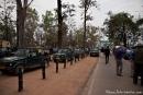 Morgens am Parkeingang - unzählige Jeeps warten auf Einlass - Kanha National Park