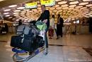 Nur unser Handgepäck - Flughafen Abu Dhabi