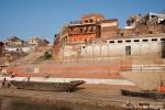 Varanasi hat unzählige Ghats - Treppen, die in den Ganges führen
