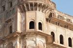Einstmals ein sehr prächtiges Gebäude - Varanasi